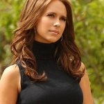 Jennifer Love Hewitt to co-produce and star in The Client List series