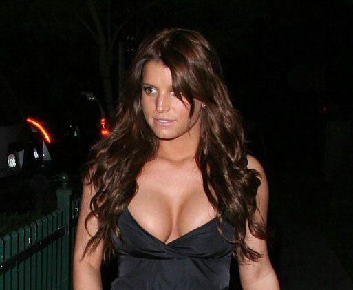 Jessica simpsons boob size