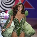 Miranda Kerr to continue to be Victorias secret angel