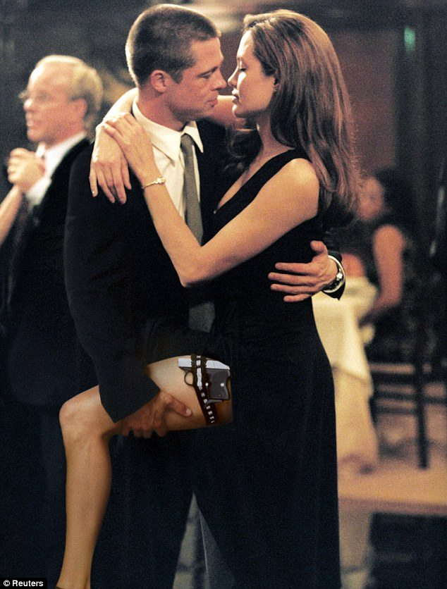 brad_pitt_angelina_jolie_mr_mrs_smith
