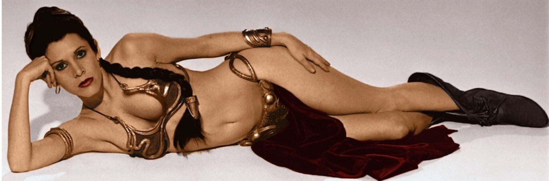 carrie_fisher_princess_leia_golden_bikini
