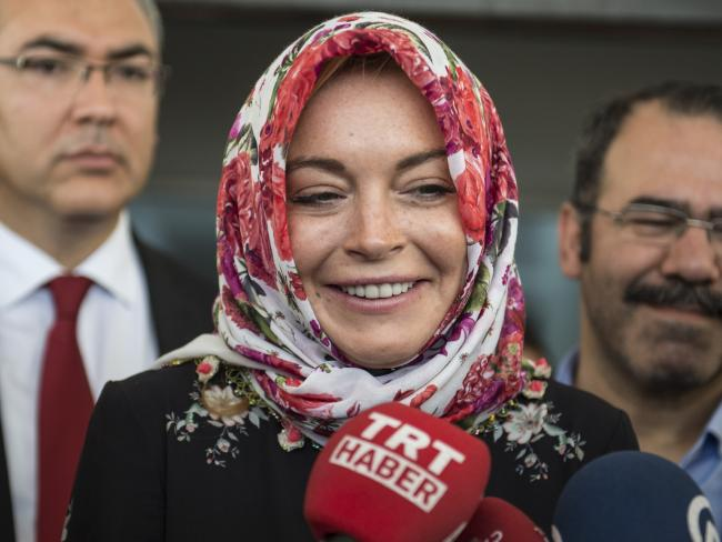 lindsay_lohan_istanbul_refugees