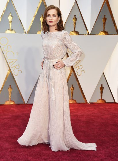 isabelle-huppert-oscars-2017-red-carpet
