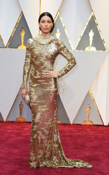jessica-biel-oscars-2017-red-carpet