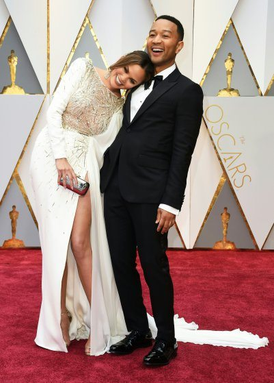 john-legend-chrissy-teigen-oscars-2017-red-carpet
