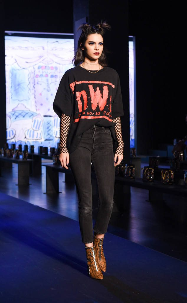 kendall-jenner-fashion-week-fall-17-4