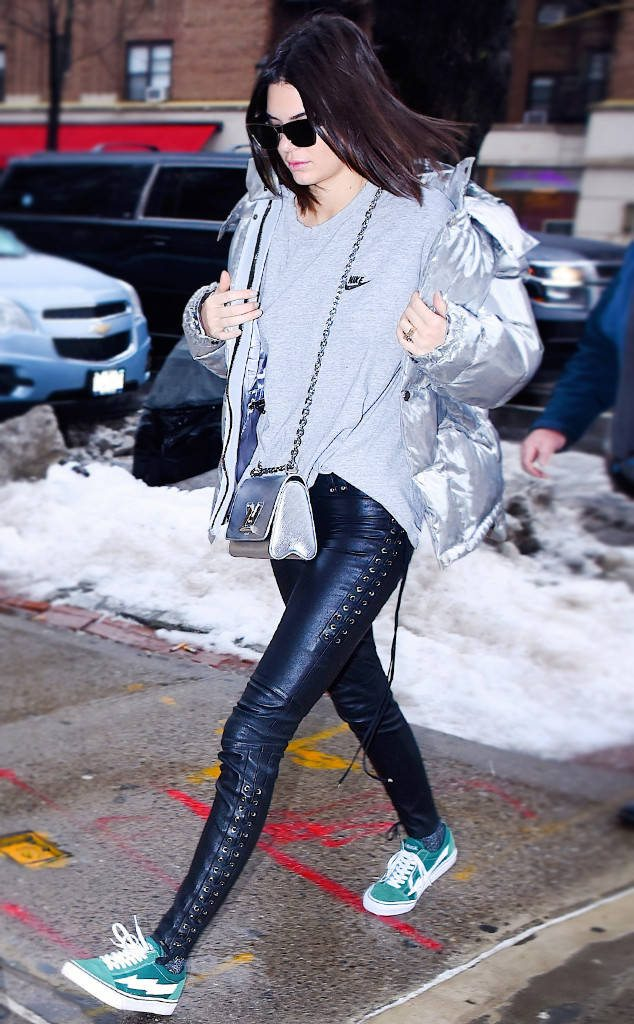 kendall-jenner-fashion-week-fall-17-7