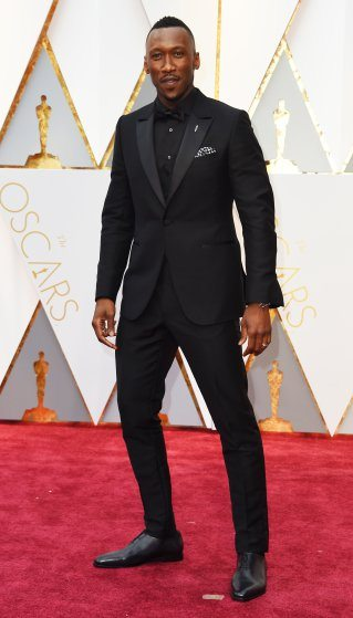 mahershala-ali-oscars-2017-red-carpet