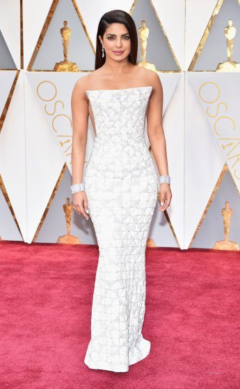 priyanka-chopra-oscars-2017-red-carpet